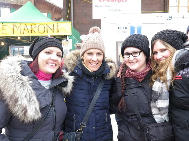 Gruppenbild vier Frauen