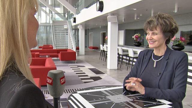 Micheline Calmy-Rey im Gespräche mit Alexandra Gubser.