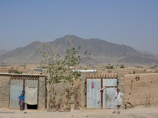 Eine Siedlung von Binnenflüchtlingen am Stadtrand von Kandahar. Weder Wasser noch Strom fliessen hier.