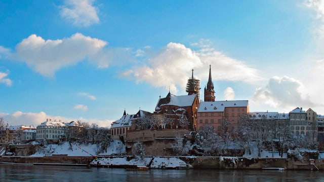 Winterliches Bild mit Blick auf das mittelalterliche Münster.