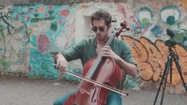 Cello statt elektrische Gitarre.