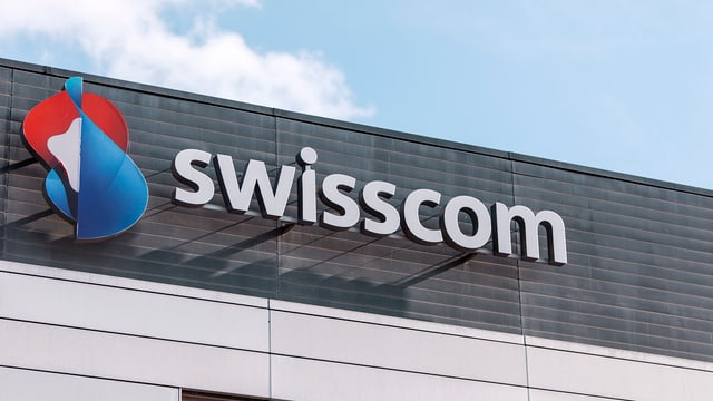 Il logo da la Swisscom vi dal bajetg da la sedia principala a Berna.