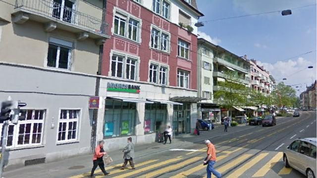Diese Filiale der Migros Bank wurde von zwei unbekannten Tätern überfallen.