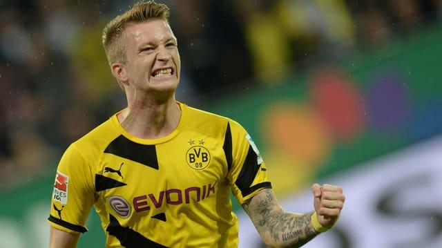 Dortmunds Marco Reus jubelt nach seinem Treffer mit geballters Faust.