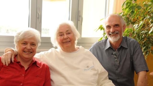 Julia Schlanser, Kathrin Rüegg e Julius Schmid