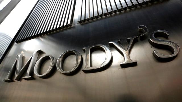 Das metallene Logo der Ratingagentur Moody's.
