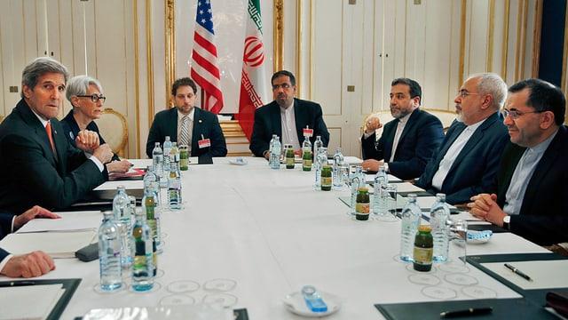 Verhandlungsrunde mit Kerry und Sarif