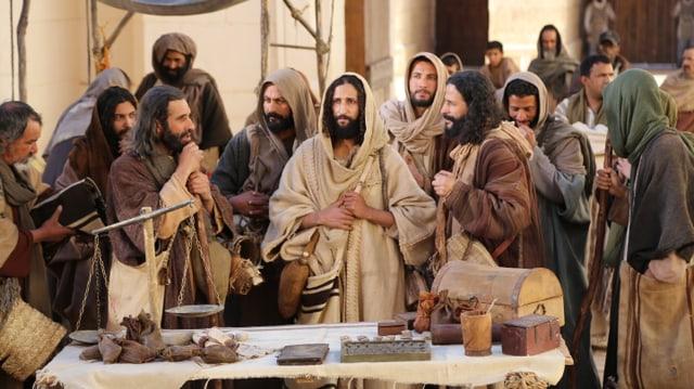 Jesus und seine Jünger im Tempel.