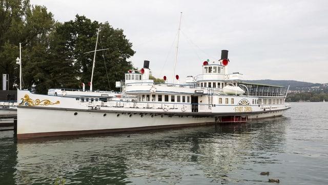 Schiff der Zürichsee-Schiffahrts-Gesellschaft
