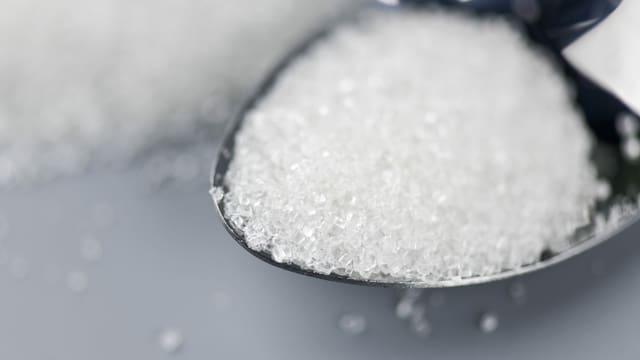Ein Esslöffel voller Zucker