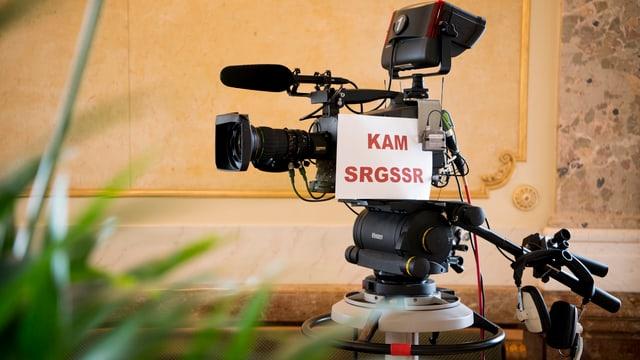 Kamera, mit SRG angeschrieben