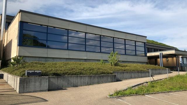 Schulhaus.