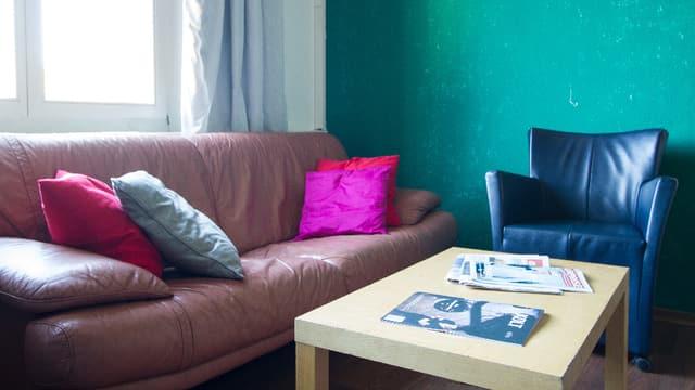 Sofa und Stuhl: Die «grüne Lounge» im Provi8