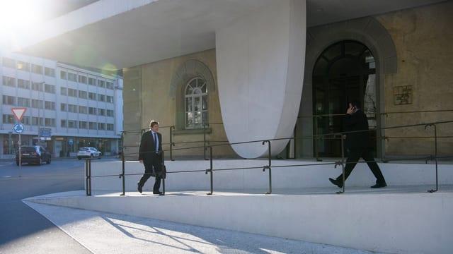 Eingang zum Grossratsgebäude in Chur