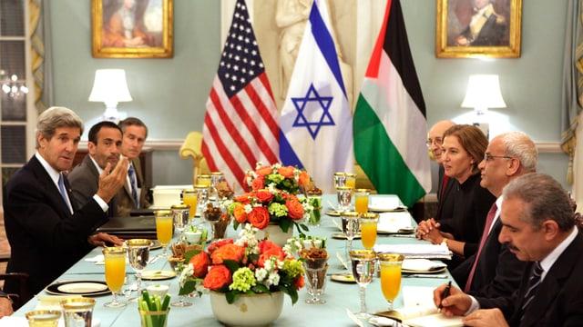 Arbeitsessen zu Nahost mit US-Ausseminister Kerry in Washington.