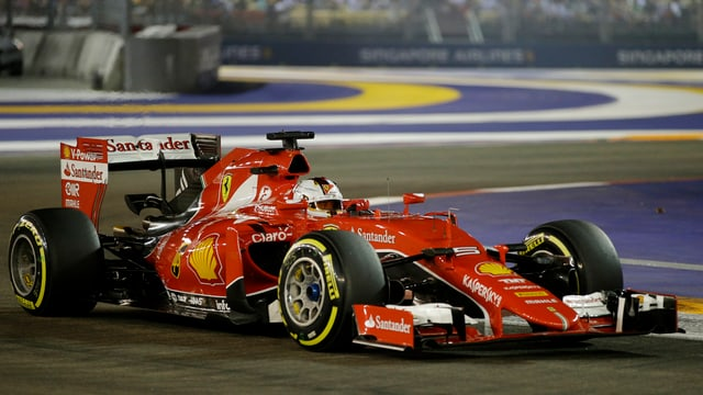 Sebastian Vettel en ses Ferrari.