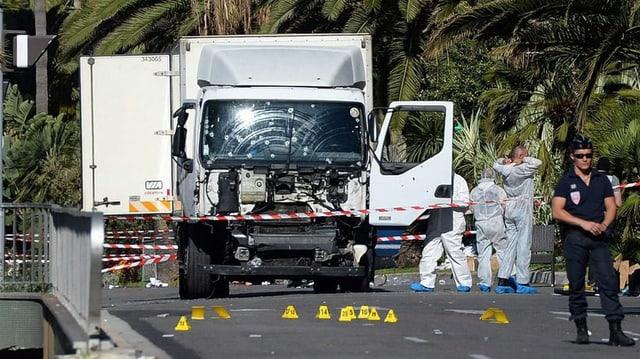 Il camiun alv che l'attentader ha duvrà per l'attentat.