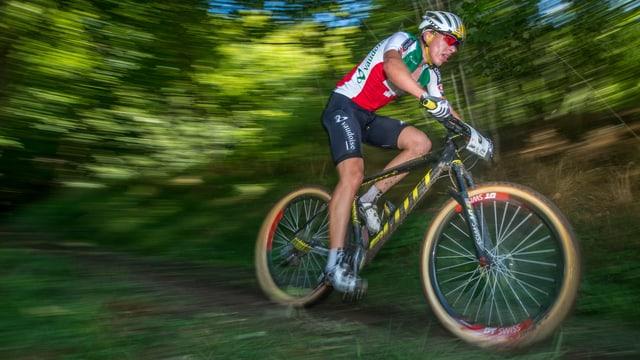 Andri Frischknecht auf dem Rad