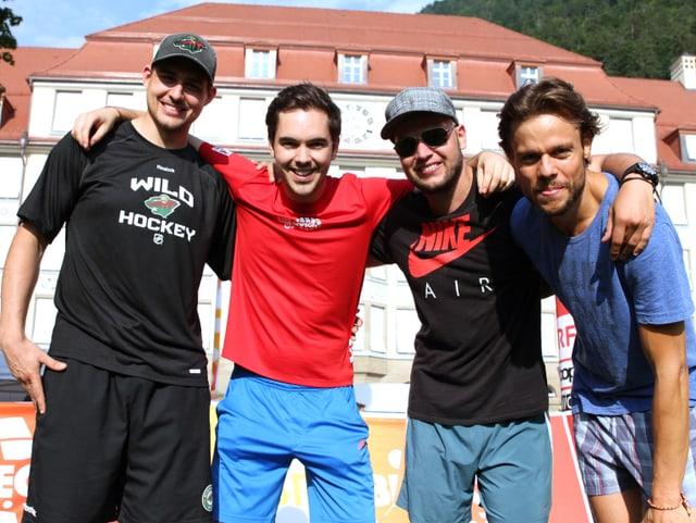 Nino, Fabio, Esra und Matt