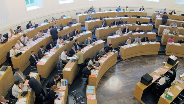 Der Aargauer Grosse Rat, fotografiert von der Presse-Tribüne aus.