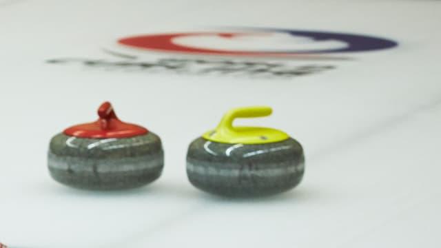 Zwei Curling-Steine
