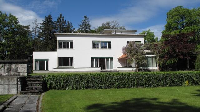 Blick auf die Villa in Hertenstein