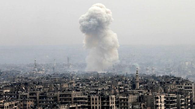 Rauchwolke über Aleppo