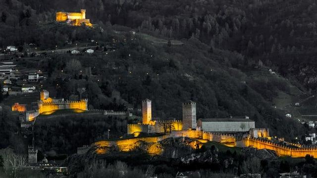 Die Burgen von Bellinzona.
