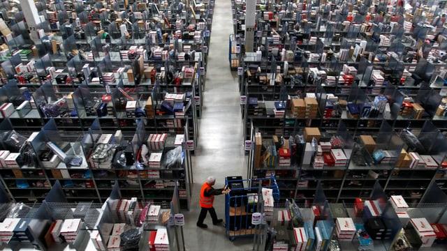Blick ins Amazon-Logistik-Center