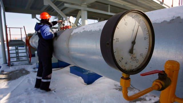 In lavurant da Gazprom controllescha ina lingia che maina gas en l'Ucraina.