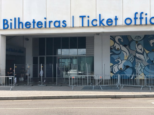 Der Ticket-Shop vor dem Estadio do Dragao.