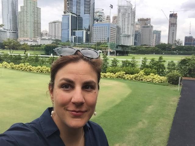 Zwischen Hochhäusern und Einkaufszentren: der Golfplatz des Königlichen Sportclubs in Bangkok.