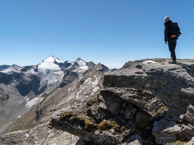 Der Mensch soll Teil des Projekts sein: Ein Wanderer auf dem Gipfel des Pizzo Cassinello im geplanten Park Adula.