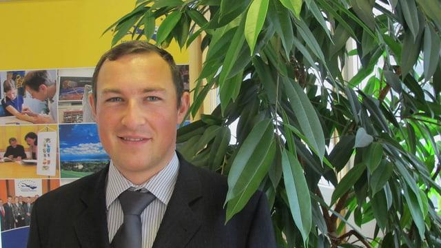 Porträtaufnahme von Maximilian Dendl von der Internationalen Bodensee-Konferenz