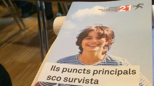 Ina broschura cun las infurmaziuns principalas tar il Plan d'instrucziun 21 en il Grischun.