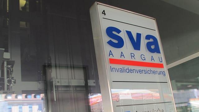 Logo der SVA am Aarauer Bahnhof