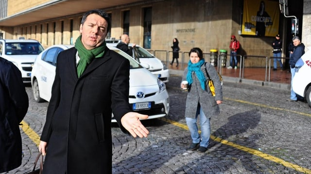 Matteo Renzi auf der Strasse.