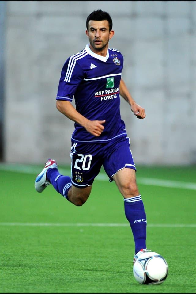 Der Schwede mit iranischen Wurzeln spielte bereits zwischen 2008 und 2011 für die «Bebbi». Der Abwehrspieler kommt vom RSC Anderlecht, mit dem er in der vergangenen Saison den Meistertitel gewonnen hatte.