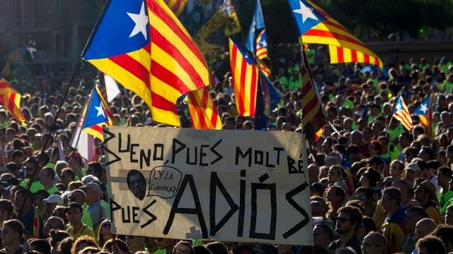 demonstraziun a Barcelona, blera glieud
