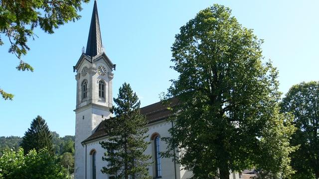 Die Kirche Kappel von aussen.