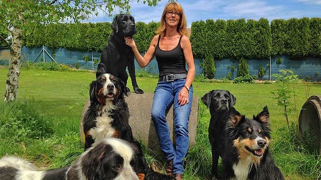 Video «Von Menschen mit Hunden» abspielen