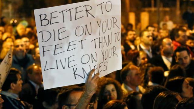 Wütende Demonstranten in Nikosia