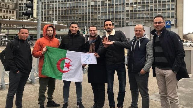 Demonstranten vor dem Genfer Universitätsspital.