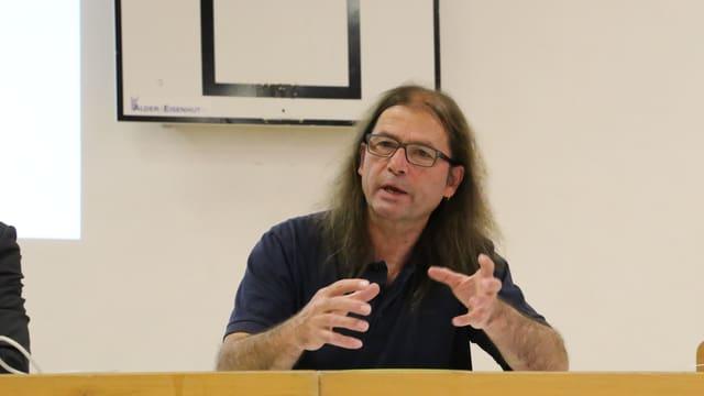 Guido Dietrich, il president communal da Vuorz.