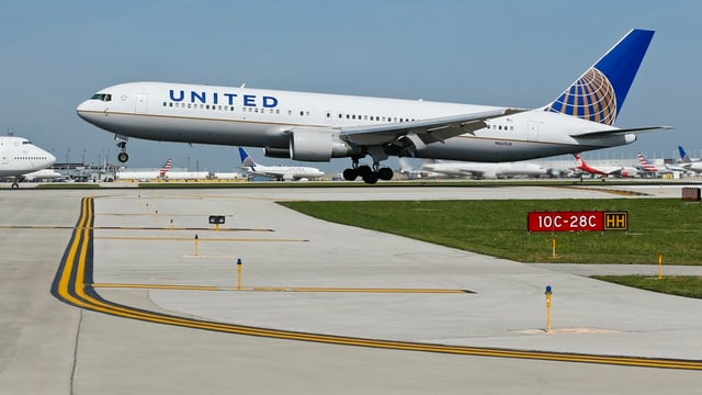 Ein Flugzeug der United Airlines.