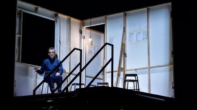 Ulrich Matthes auf der Bühne des Deutschen Theaters Berlin.