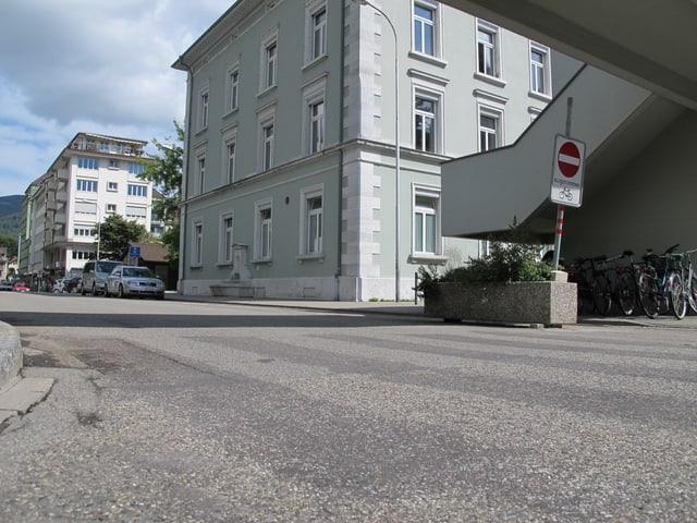 Das Fehlen dieses Zebrastreifens beim Hübeli-Schulhaus wird von verschiedenen Seiten kritisiert.
