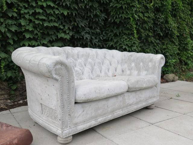 Beton-Sofa.