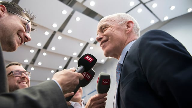 Bundesrat Ueli Maurer gibt Interviews