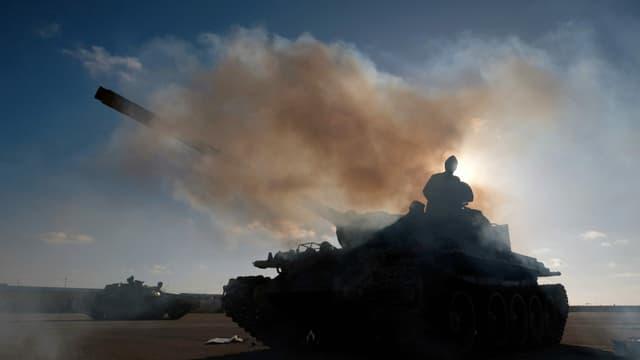 Die Truppen von General Haftar kämpfen gegen die international anerkannte Regierung.